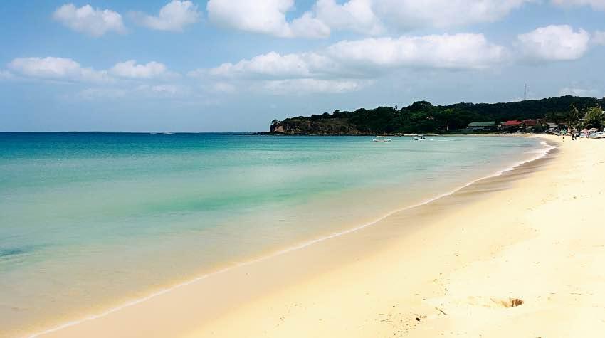 spiaggia Sri Lanka mare limpido trincomalee