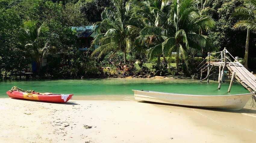 kayak; barche; spiaggia